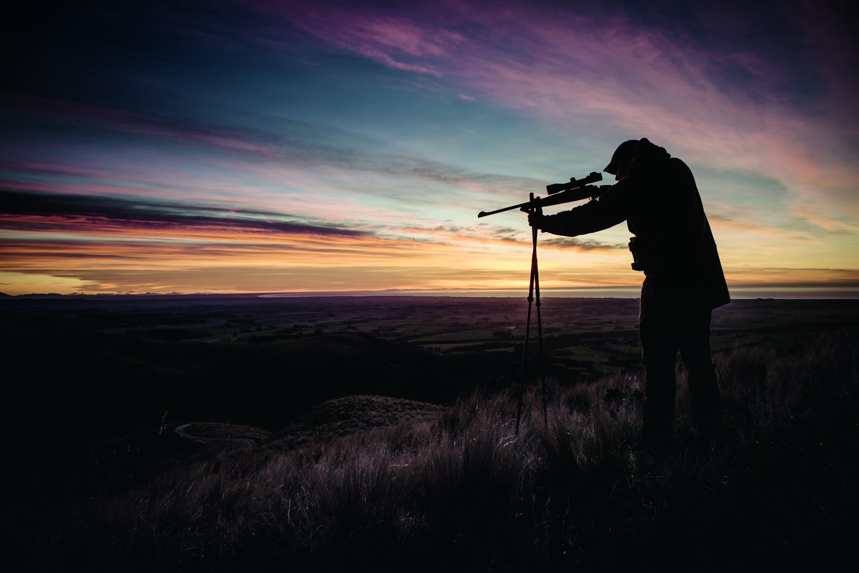 cacciatore tramonto
