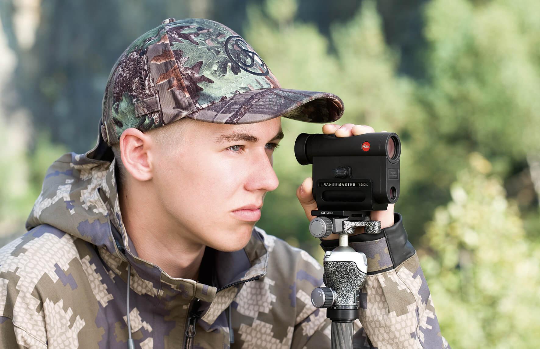 per chi vuole essere estremamente preciso, Leica produce un adattatore per treppiede per i suoi CRF