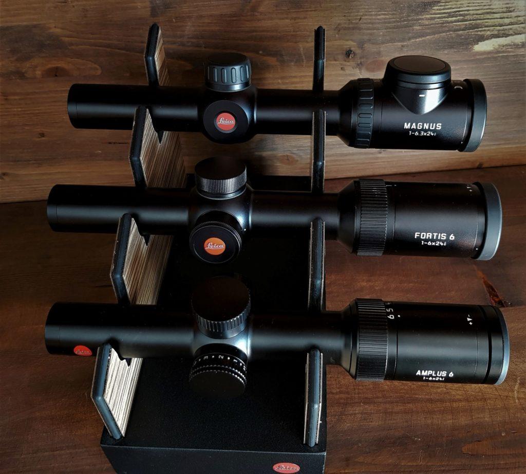 I tre alfieri della caccia in braccata di Leica uno a fianco dell'altro.