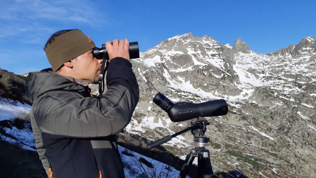 Bobo tra le sue montagne in una giornata di caccia al camoscio