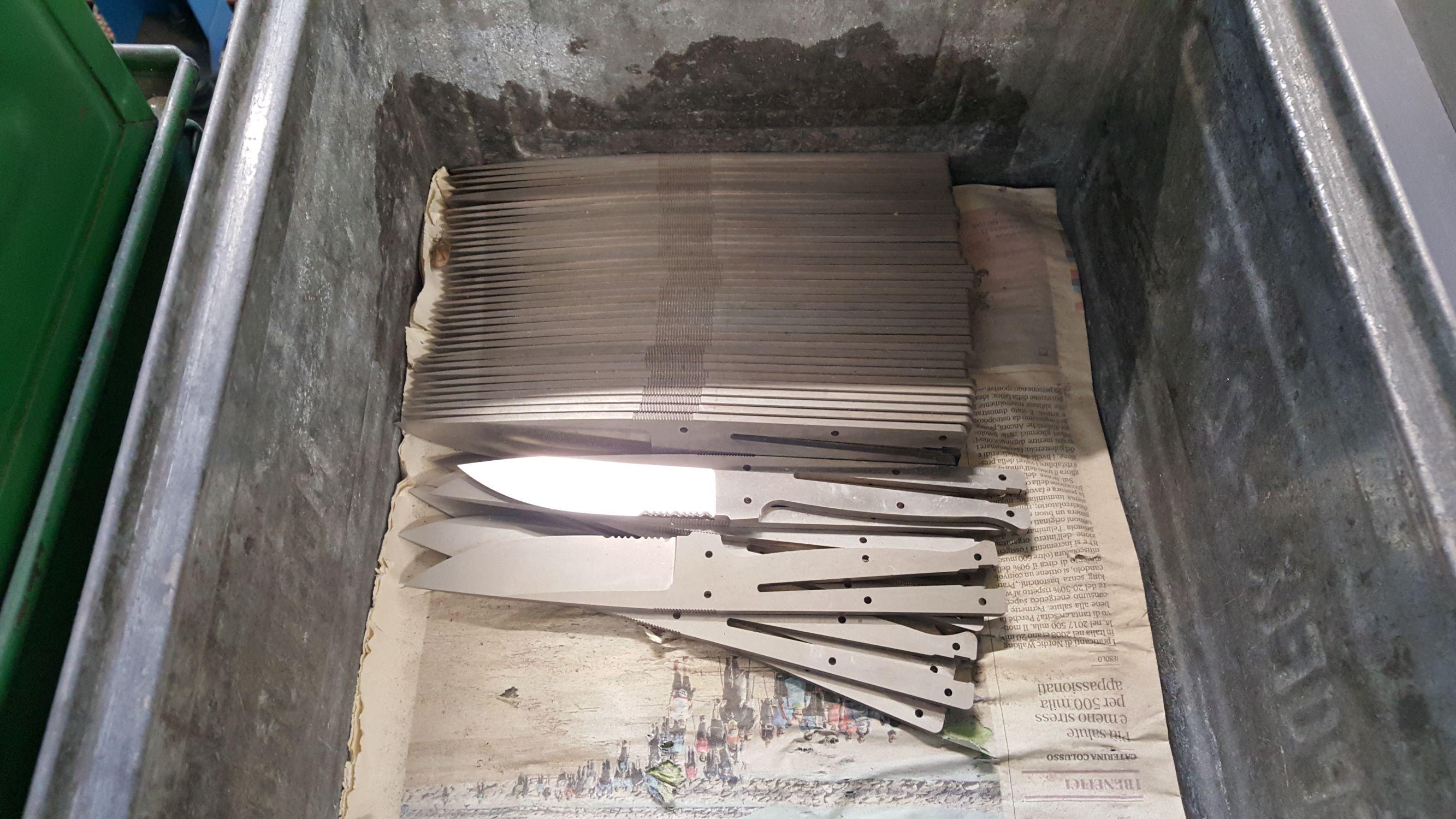 Le lame del Croz sono pronte per la molatura.